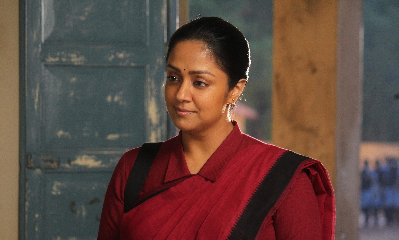 actress-jyothika-raatchasi-movie-stills-thinatamil