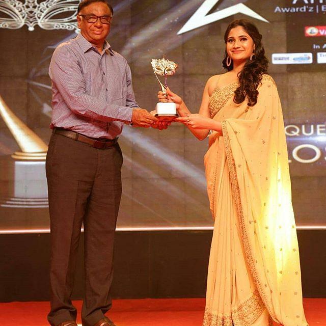 losliya-awards-thinatamil