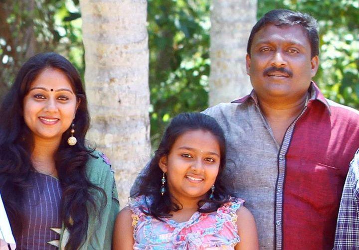 mounaragam-mallika-family