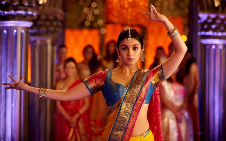 Dance-With-Me-thinatamil