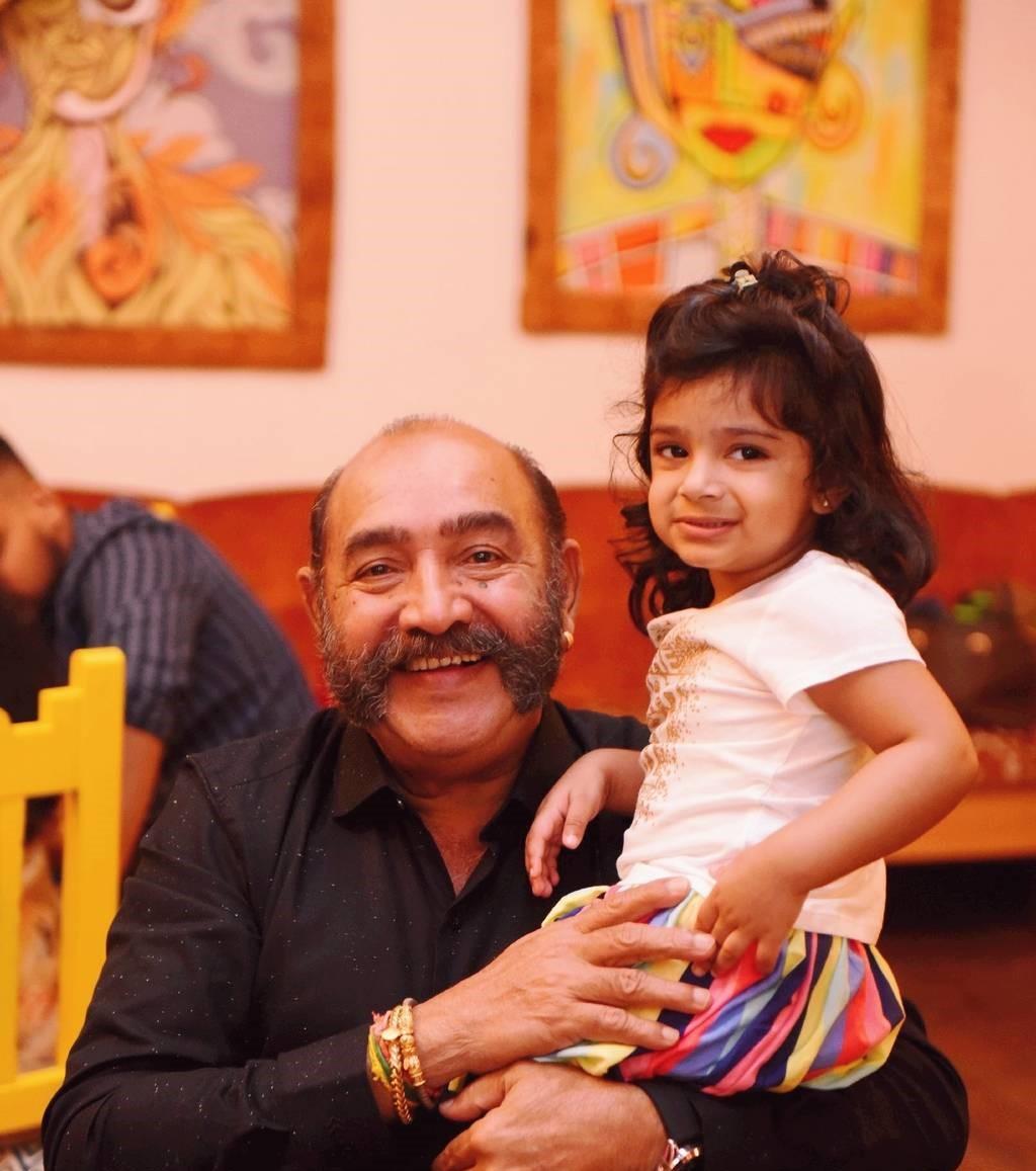 Sridevi-Vijayakumar-Daughter-Baby-Rupikaa-thinatamil