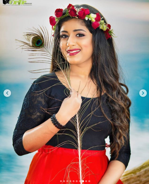 singer-canada-sinmayi-thinatamil