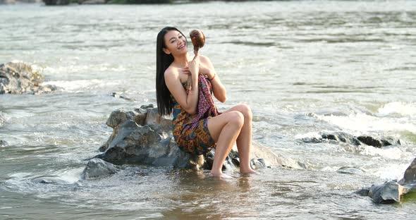 bathing-women-thinatamil