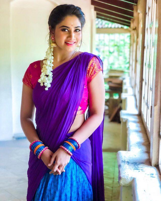 Bigg Boss Tamil Vote for Shivani Narayanan