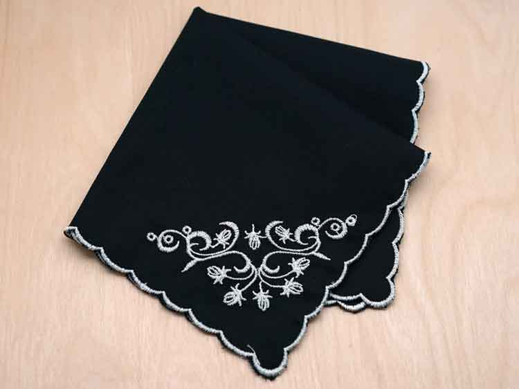 black-kerchief